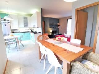 Foto - Piso de cuatro habitaciones via Vesture, Calvenzano