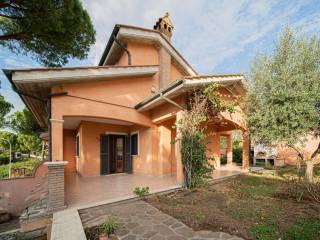 Foto - Villa unifamiliare via Monte Everest, Colleverde, Guidonia Montecelio