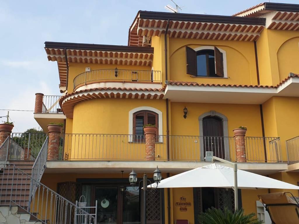 foto  Single family villa, new, 228 sq.m., Trecastagni