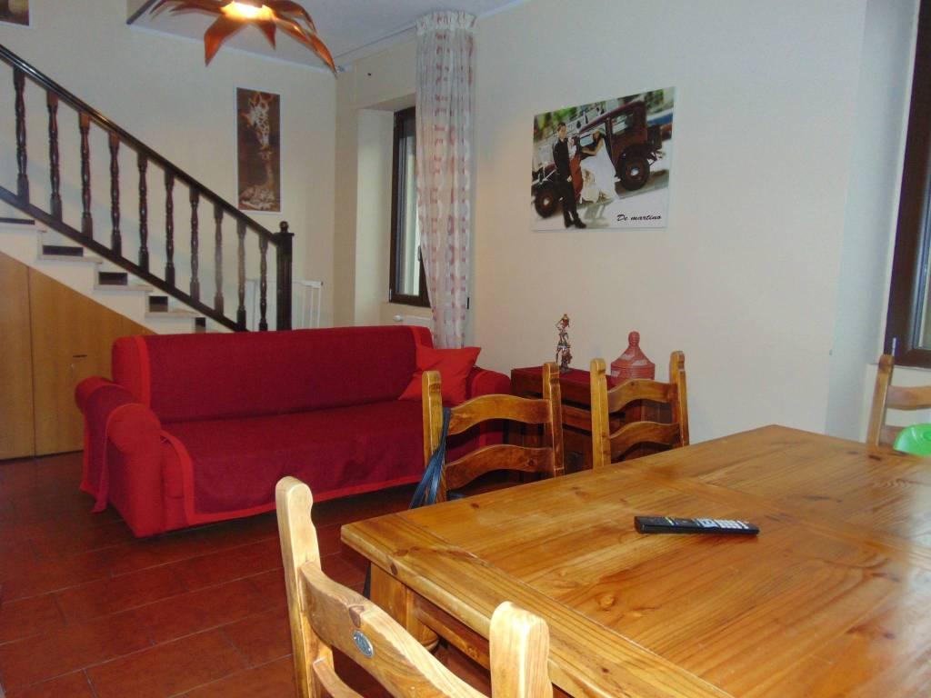 foto soggiorno 3-room flat via Fratelli Cairoli, Canegrate
