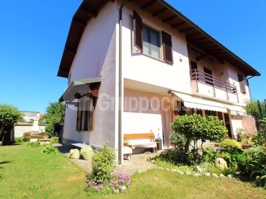 foto Giardino Single family villa via Vittorio Emanuele, Cuggiono