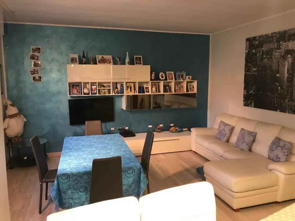 foto  3-room flat via 1 Maggio 7, San Donato Milanese
