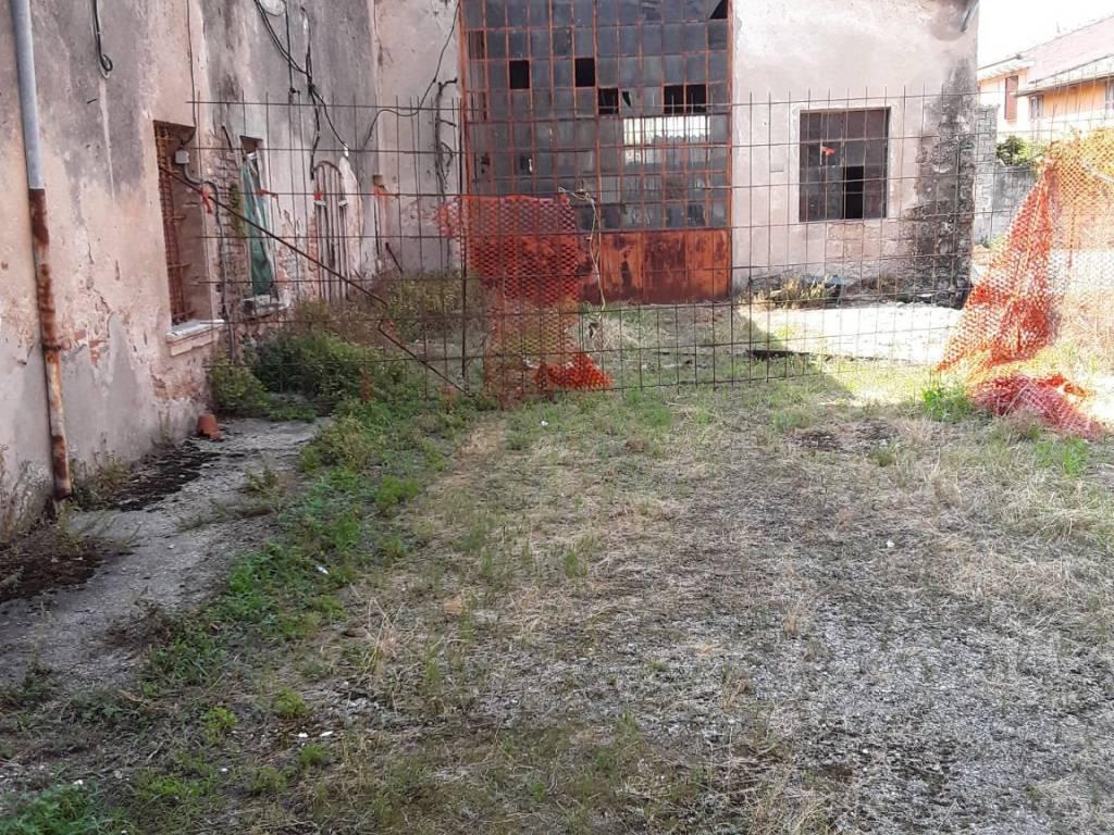 foto  Country house via Piave, Roverbella