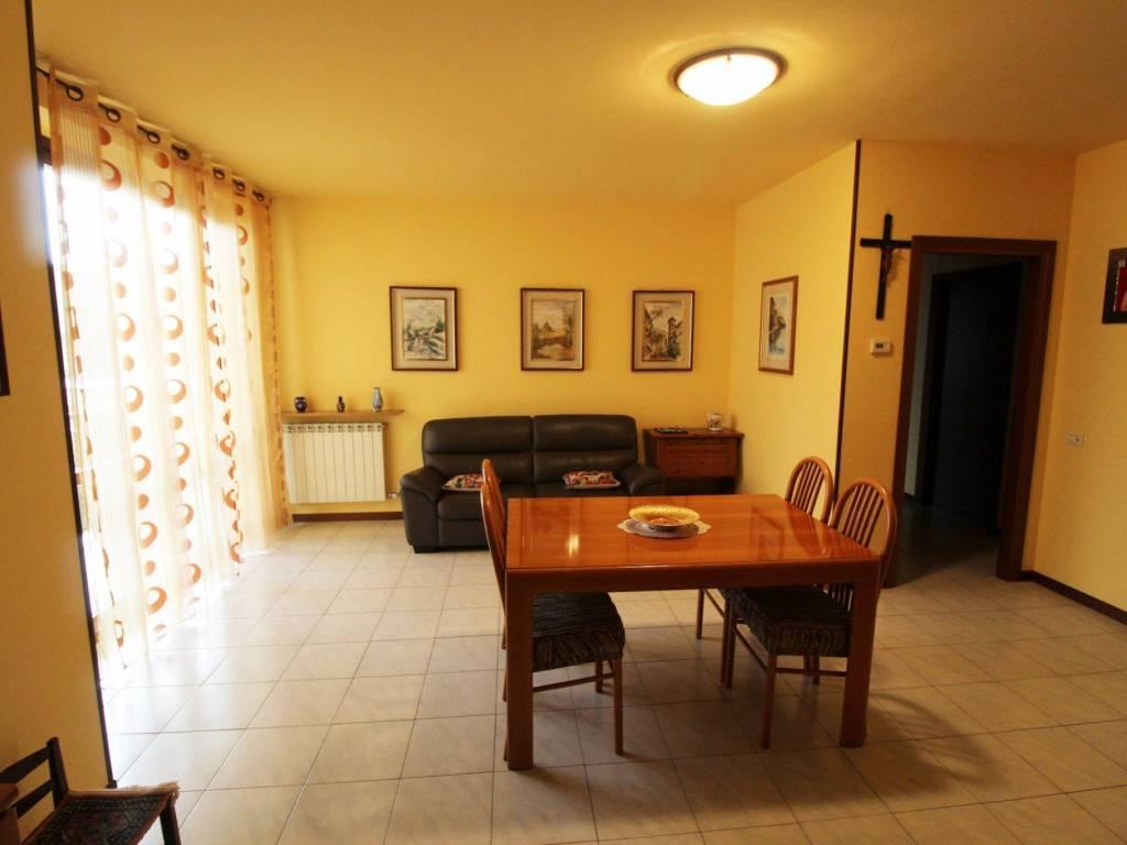 foto SOGGIORNO 3-room flat via Roma 11, Rescaldina