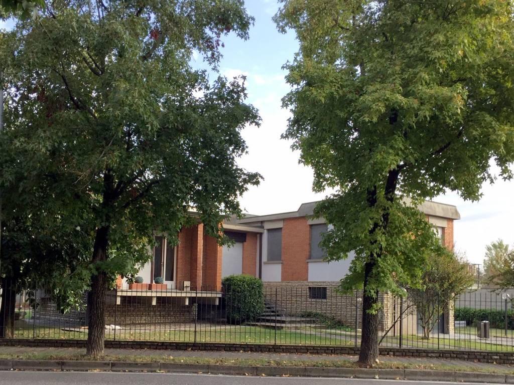 foto esterno Single family villa via Roma 46, Caravaggio