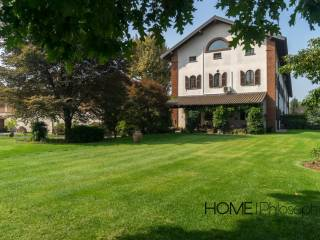 Photo - Single family villa via Roma, Bernate Ticino