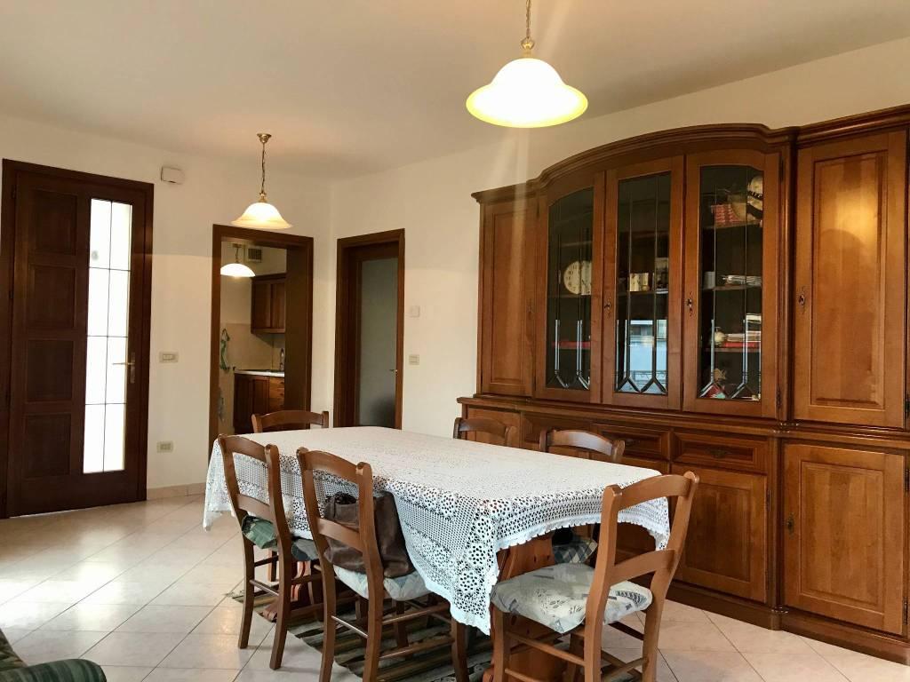 foto ingresso-soggiorno-pranzo Two-family villa via Enrico Fermi 86, Camisano Vicentino