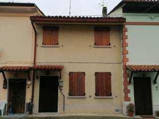 Photo - Terraced house via Cesare Battisti 12, Gadesco-Pieve Delmona