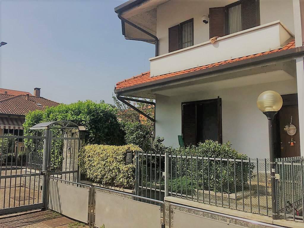 foto esterno Terraced house via Olona, Rho