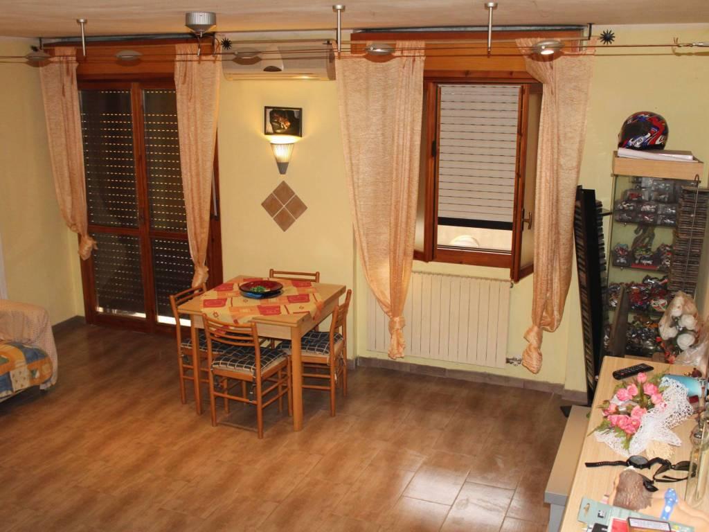 foto Soggiorno 4-room flat via Giorgio La Pira 7, Pieve Emanuele