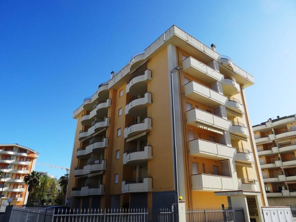 foto Esterno 3-room flat via Peschiera, Alba Adriatica