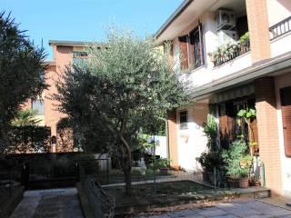 Photo - Terraced house via Monte Bianco, Locate Varesino