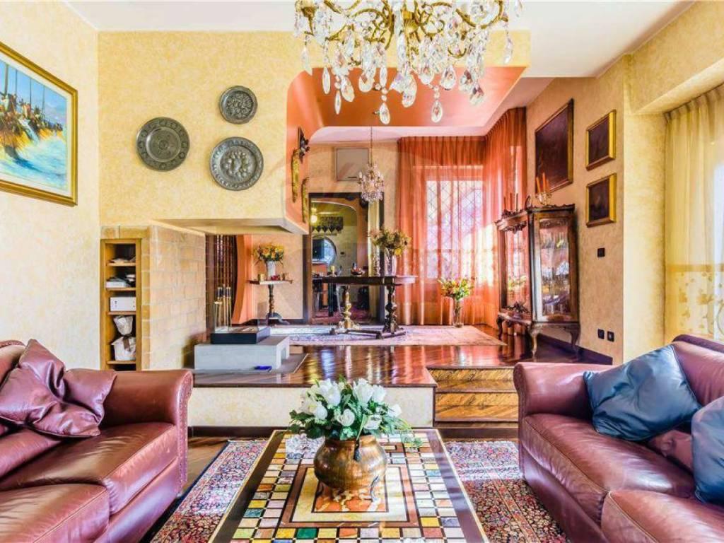 foto SOGGIORNO Single family villa via Zandonai, Bollate