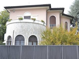 Photo - Single family villa via Edmondo De Amicis, Flora, Legnano
