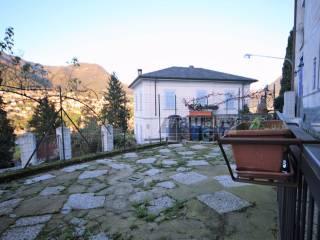 Фотография - Трехкомнатная квартира via Conciliazione, Tavernola, Como