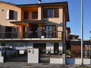 Photo - Two-family villa via Sandro Pertini, Cerro al Lambro