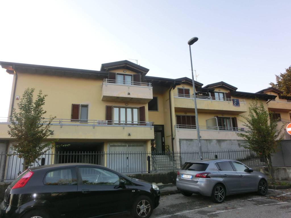 foto  3-room flat via Francesco Anzani 474, Alzate Brianza