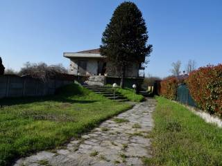 Photo - Single family villa, to be refurbished, 333 sq.m., Galliate