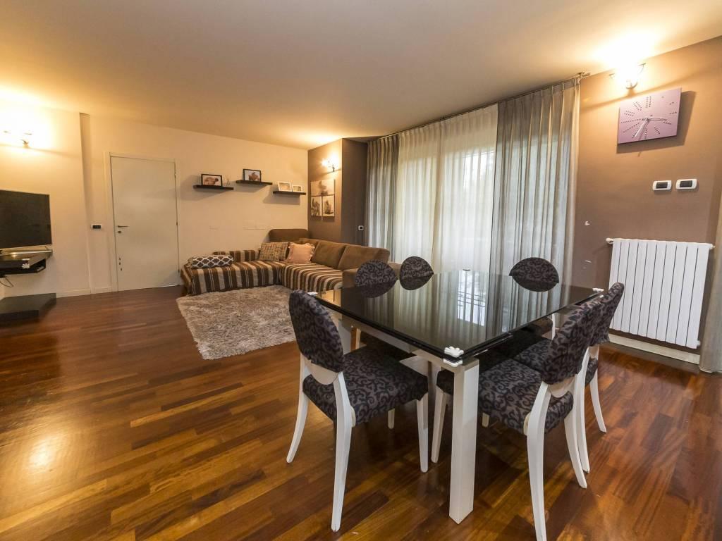 foto interno 4-room flat via Trieste 5, Cassina de' Pecchi