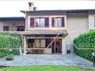 Photo - Terraced house via Giuseppe Parini, Monguzzo