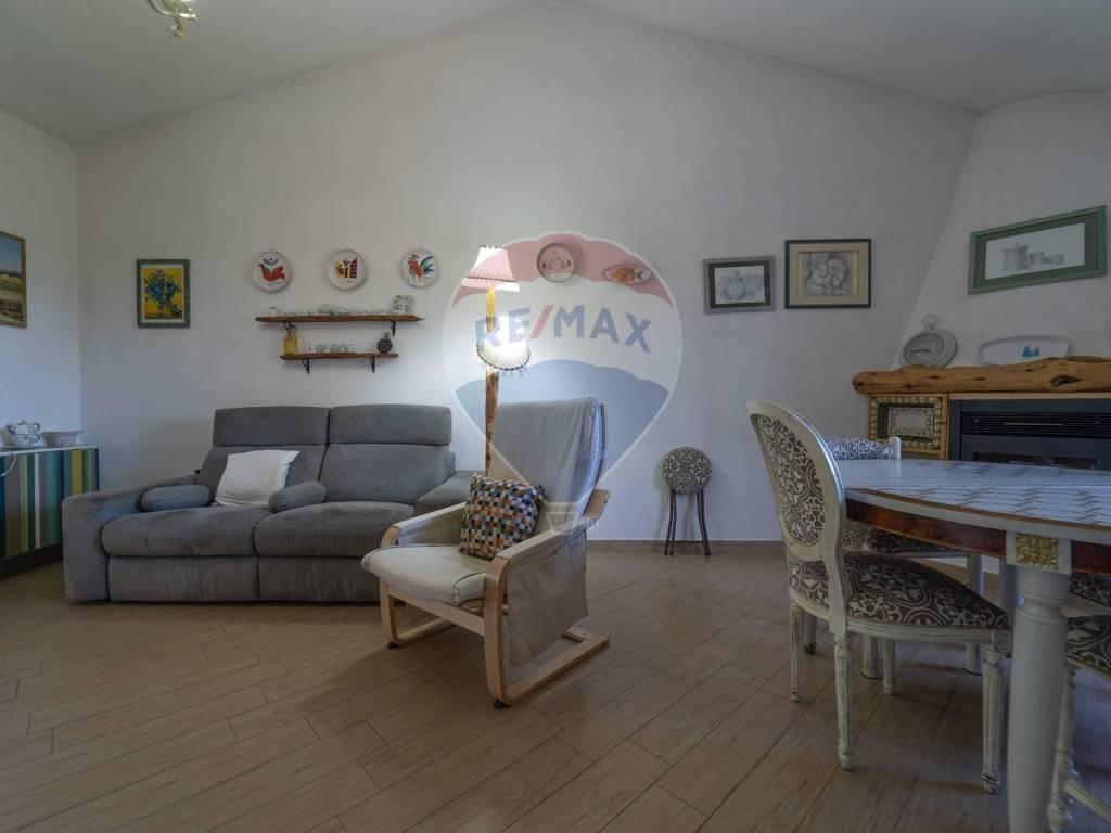 foto Sala Μονοκατοικία βίλα loc sanalvò, snc, Loiri Porto San Paolo