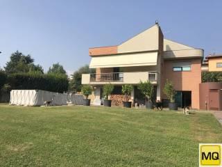 Foto - Villa unifamiliare, ottimo stato, 400 mq, Caprino Bergamasco