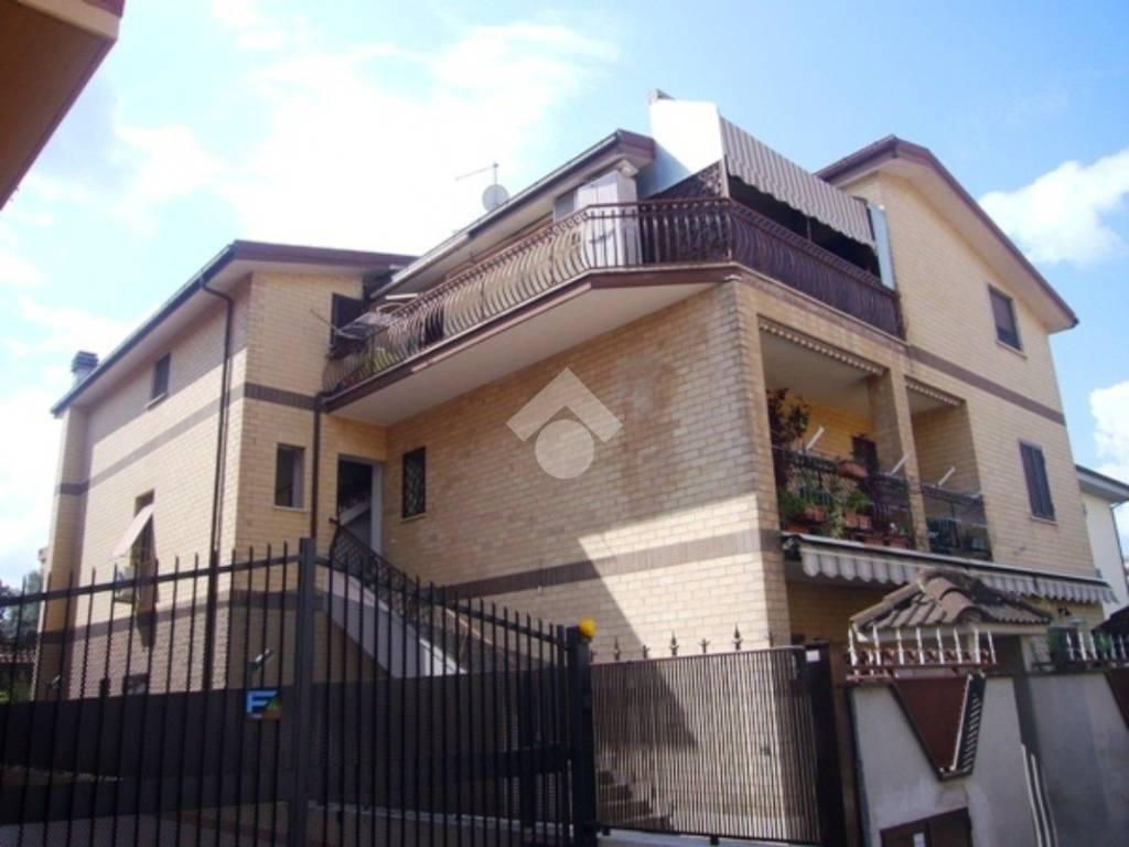 foto  3-room flat via Giovanni Pascoli, Ciampino