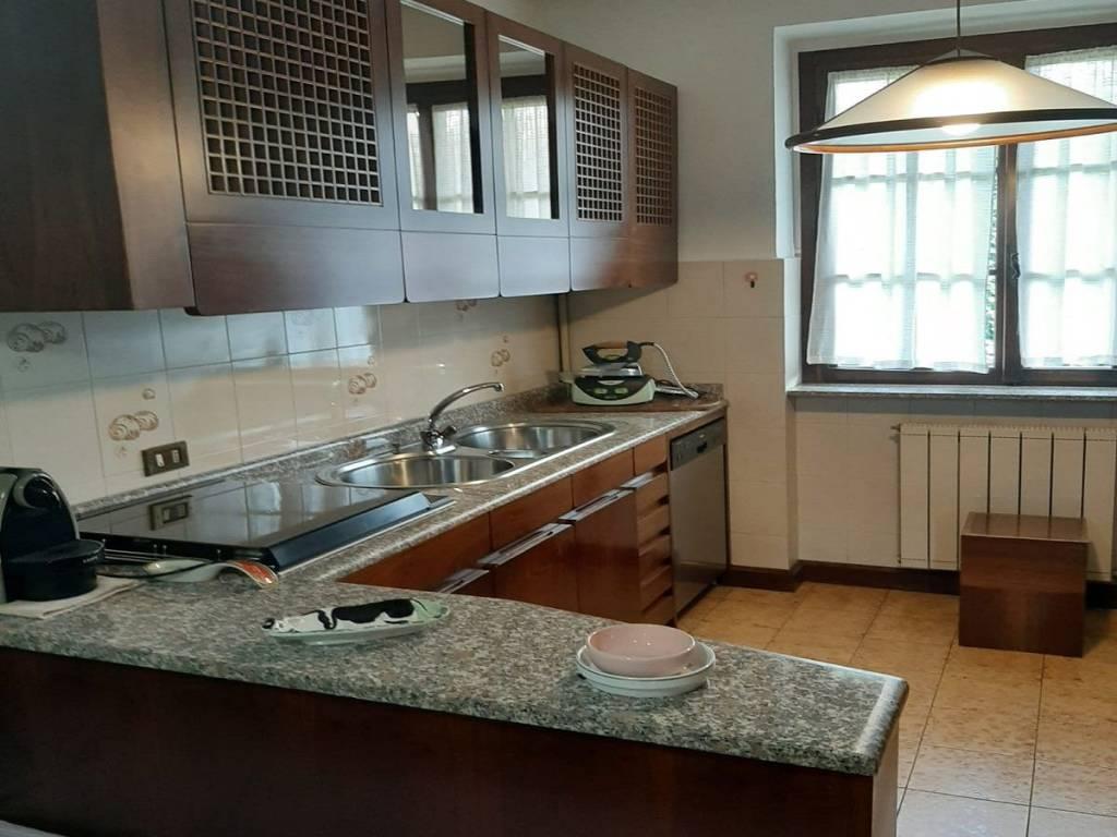 foto  Single family villa via Monviso, Pregnana Milanese