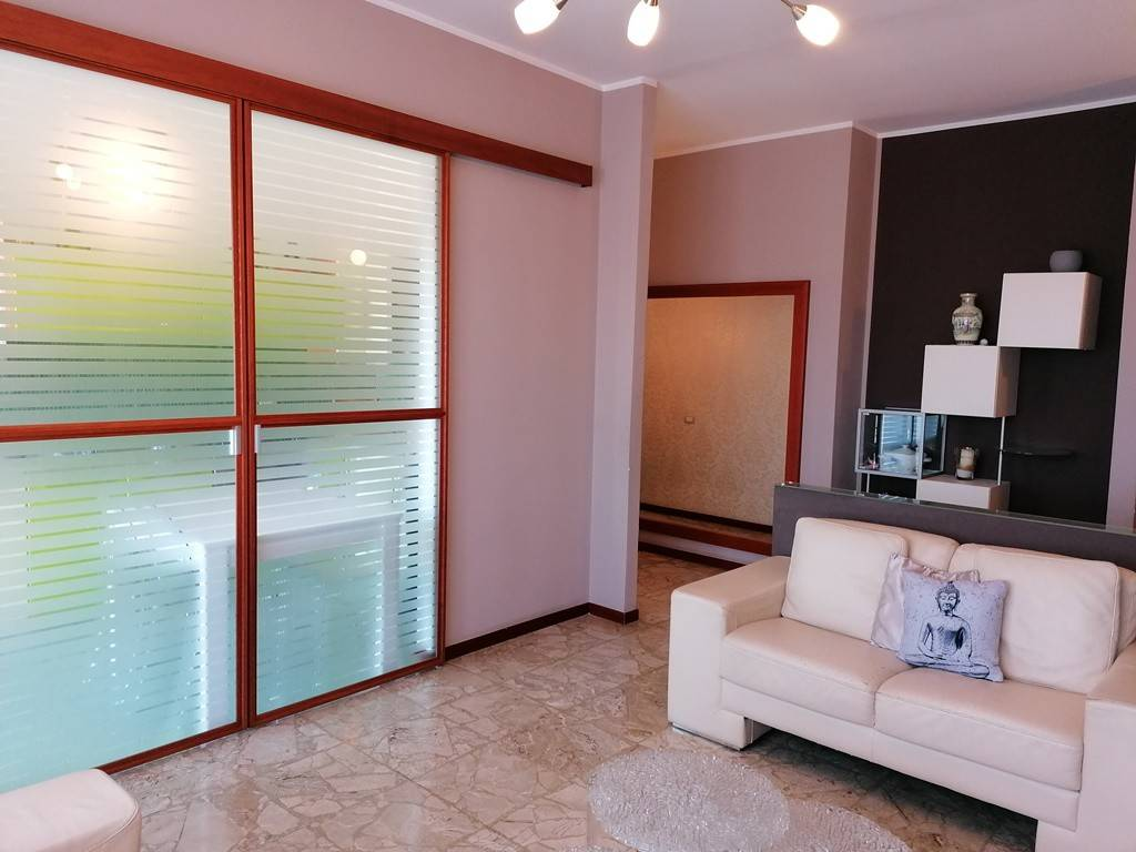 foto SOGGIORNO 3-room flat viale Arturo Toscanini 6, Paderno Dugnano