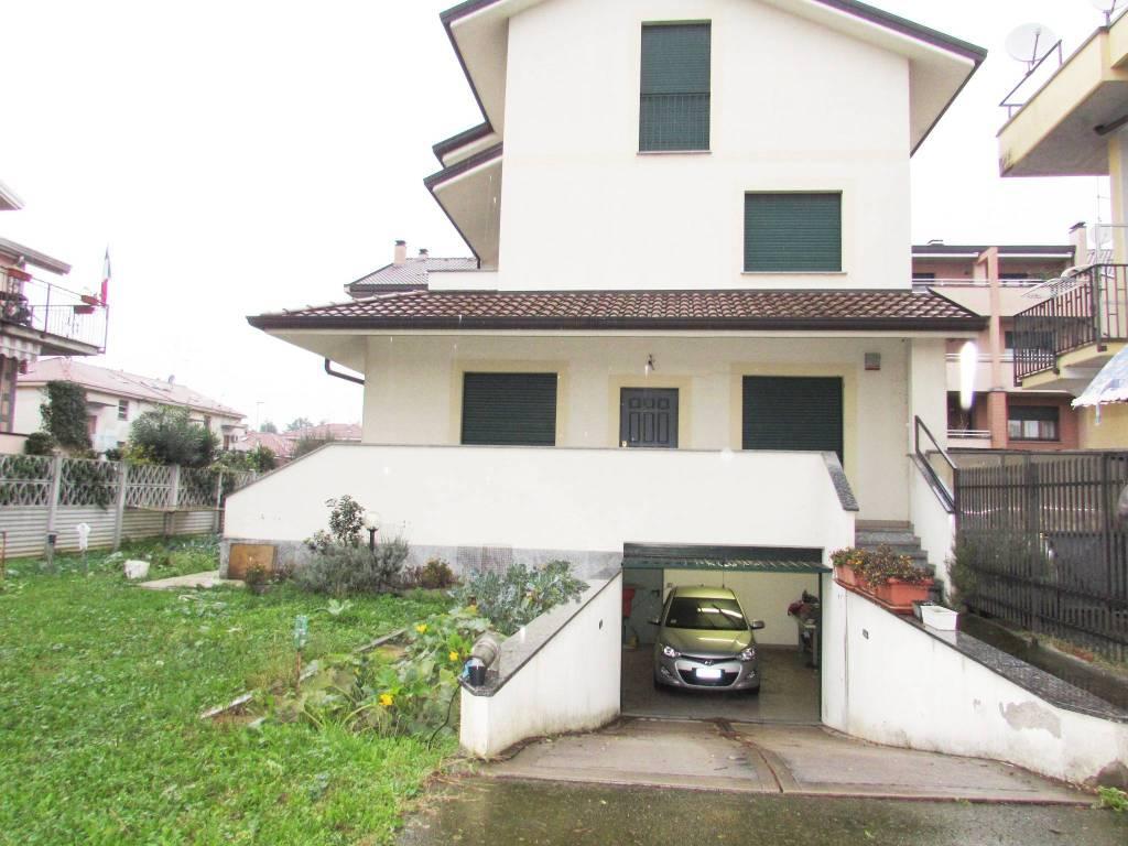 foto  Single family villa, new, 158 sq.m., Paderno Dugnano