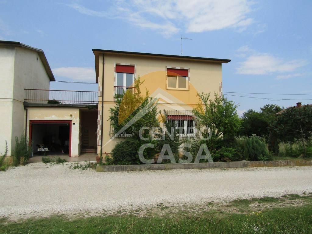 foto  Two-family villa via San Gaetano, Malo