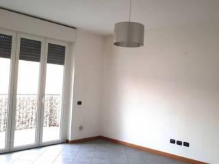 Photo - 3-room flat via Fiammenghini 34, Cantù