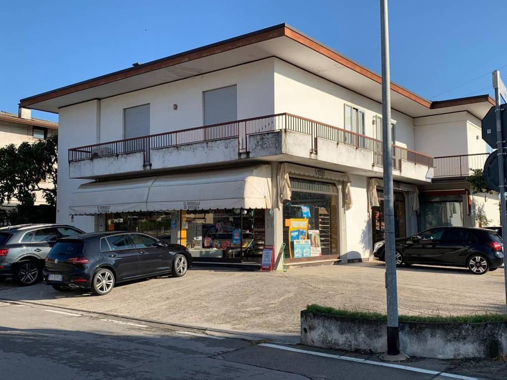 foto Esterno Shop for Rent