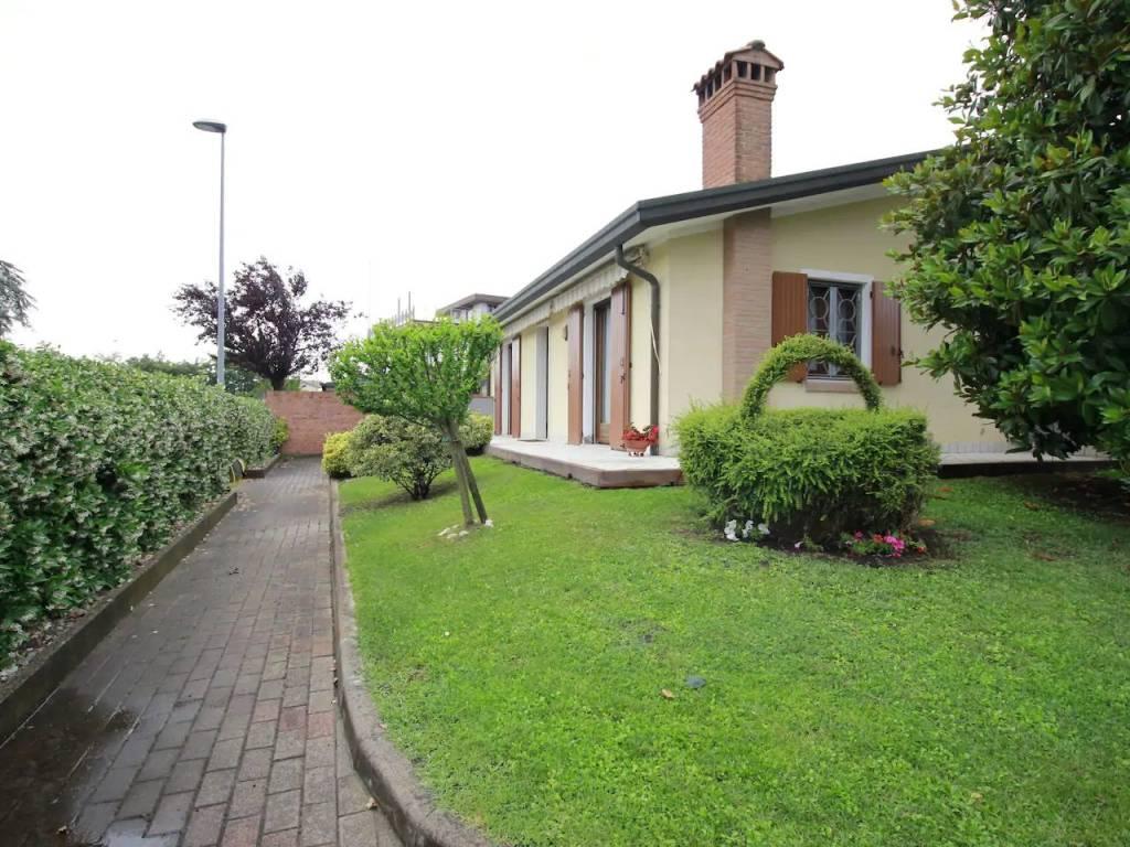 Vendita Villa unifamiliare in via Primavera Chioggia ...