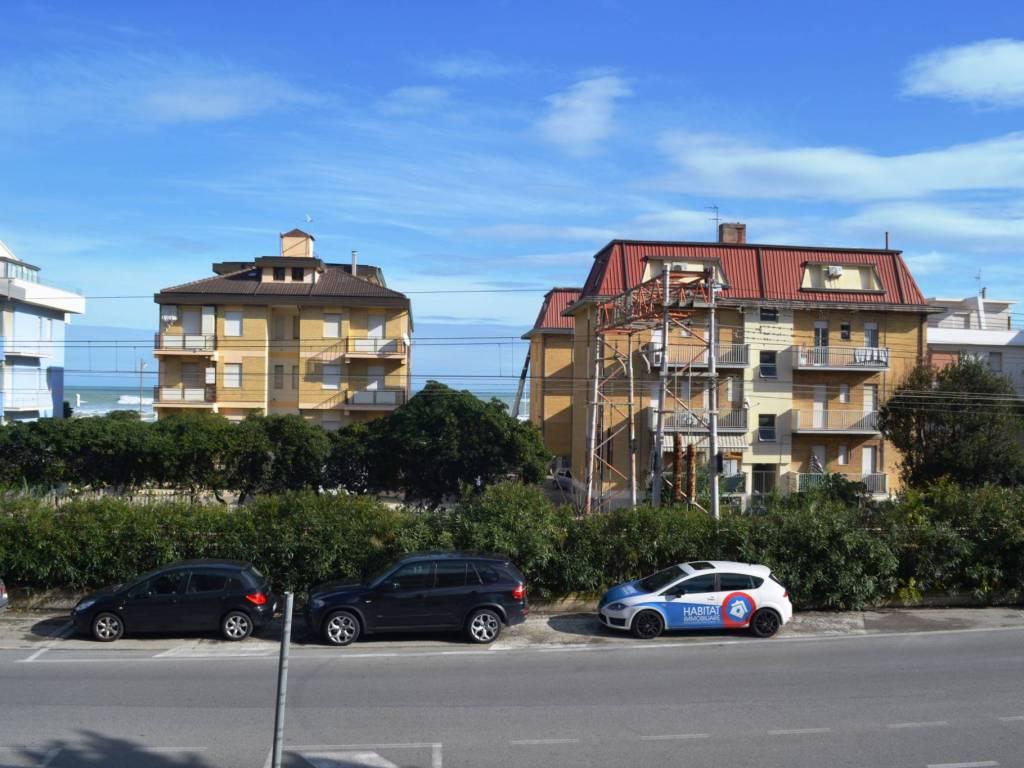 foto terrazzo Δυάρι via Cristoforo Colombo 38, Civitanova Marche