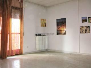Photo - Building via Ciro Menotti 5, Opera