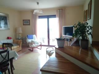 Foto - Villa unifamiliar, muy buen estado, 500 m², Campobasso