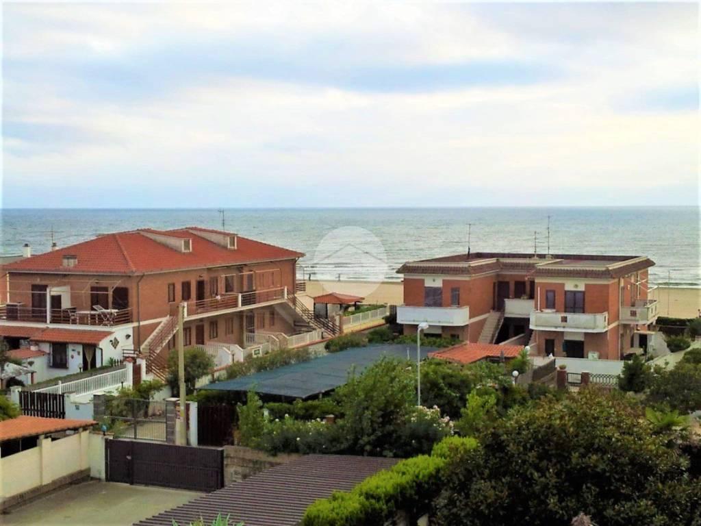 foto  Terraced house via delle rondini, Ardea