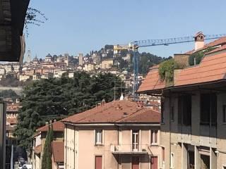 Foto - Piso de tres habitaciones via Amilcare Ponchielli 3, Borgo Palazzo, Bergamo