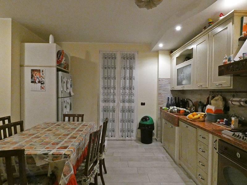 foto  Terraced house 4 rooms, excellent condition, Casalgrande