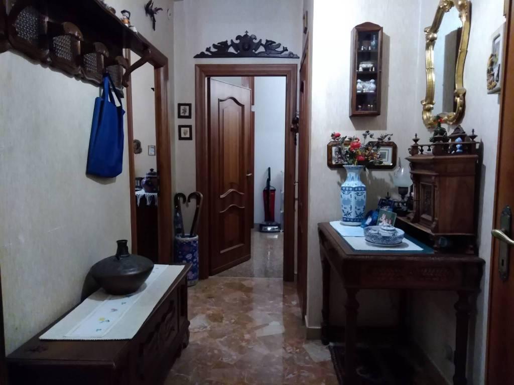 foto ingresso 3-room flat via delle Acacie, Genova