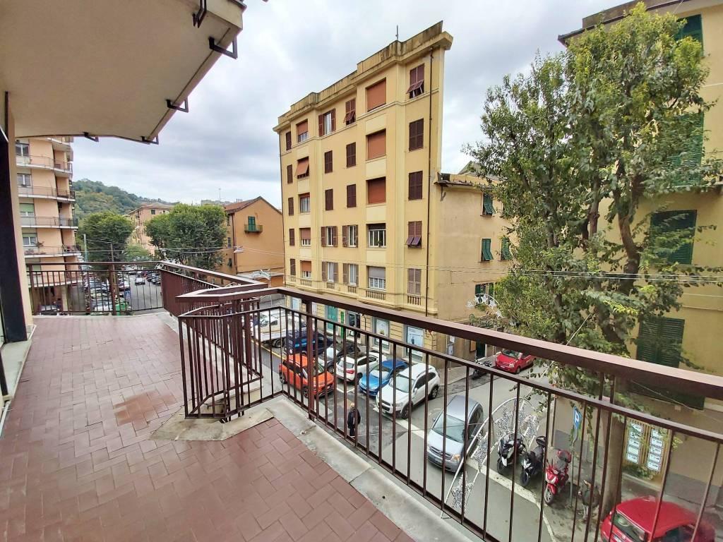 foto Balconata Apartment via Bolzaneto, Genova