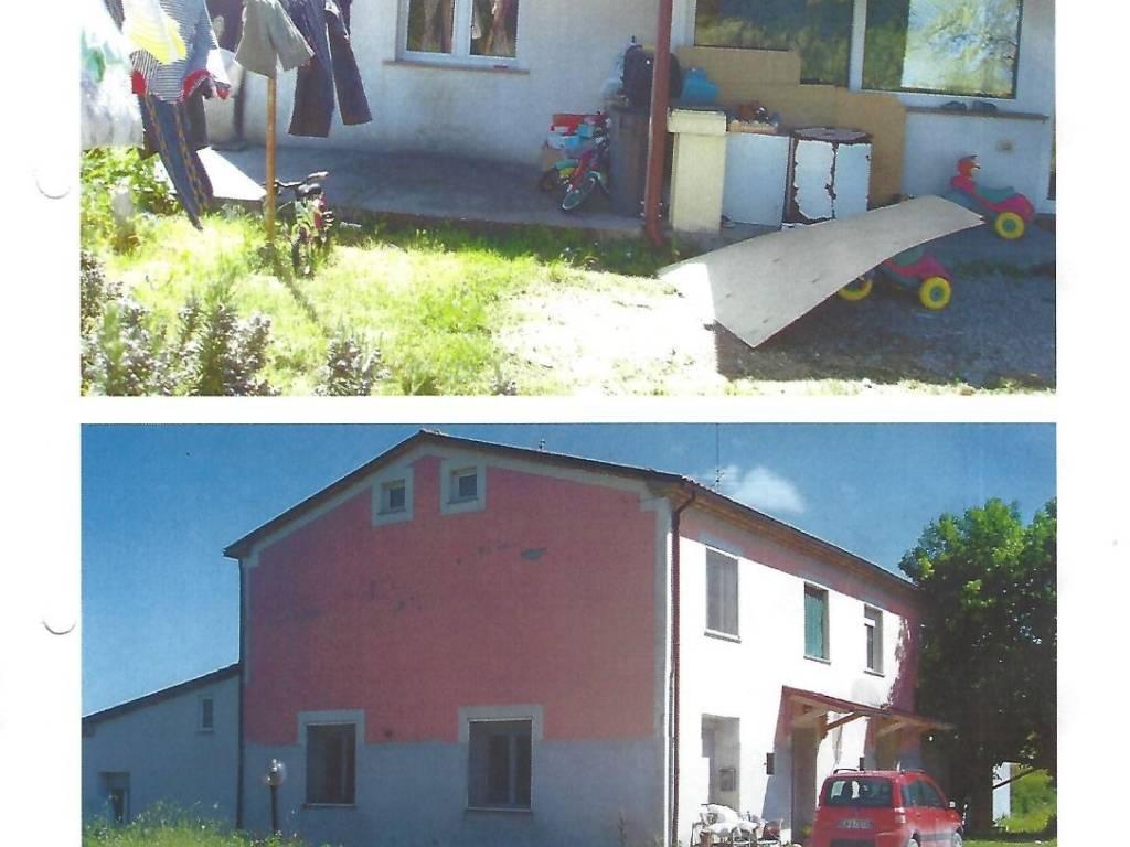 foto  Apartment in villa, good condition, 300 sq.m., Mombaroccio