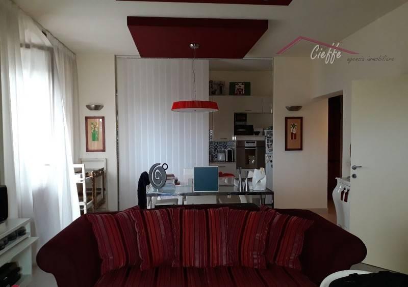 foto  Трехкомнатная квартира отличное состояние, первый этаж, Fucecchio