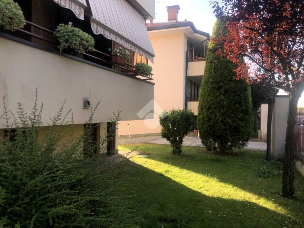 foto ESTERNA 3-room flat via cadorna, Cisliano