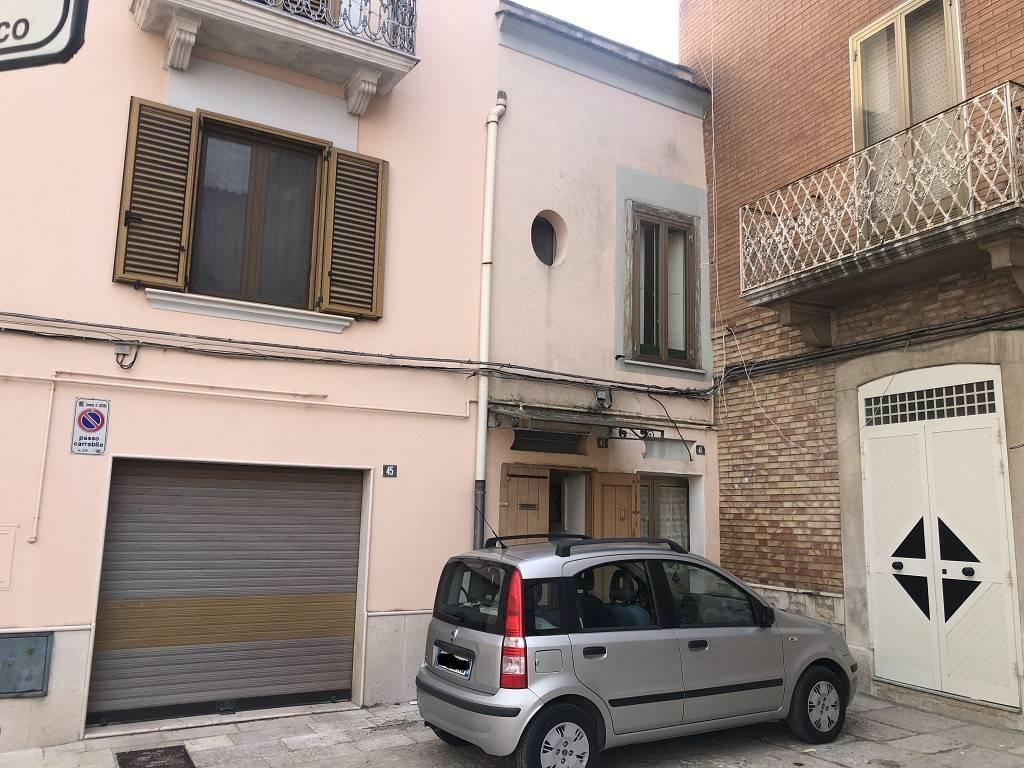 foto Palazzo 3-room flat via L  Frattarolo 37, Lucera