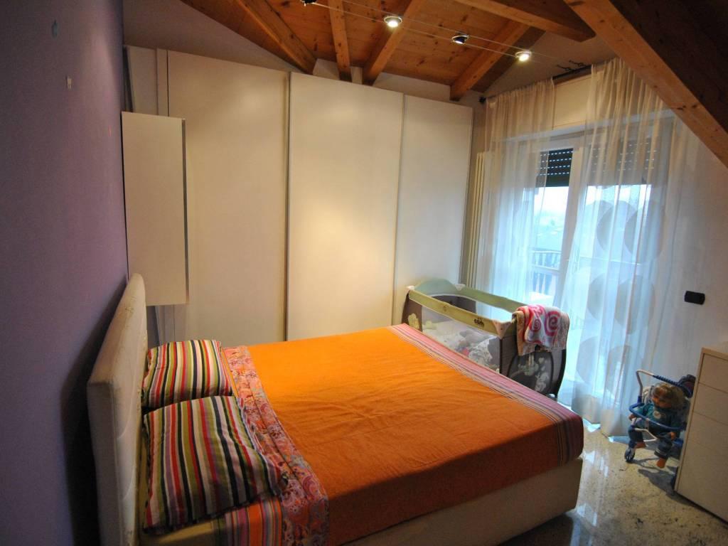 foto camera 2-room flat via Sant'Arialdo 90, Milano