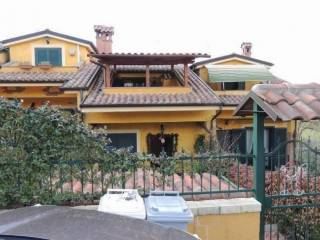 Photo - Terraced house via Vannucci, Guidonia Montecelio