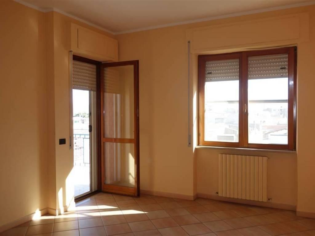 foto CAMERA Τριάρι άριστη κατάσταση, τέταρτος όροφος, San Severo
