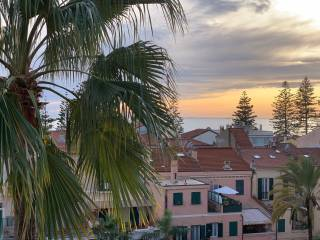 Photo - 4-room flat to be refurbished, top floor, Bordighera